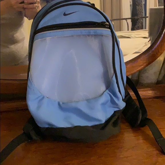 🎉sale🎉Small Nike Backpack. M 5bd64df14ab633573ca858d9 7676b0e895542